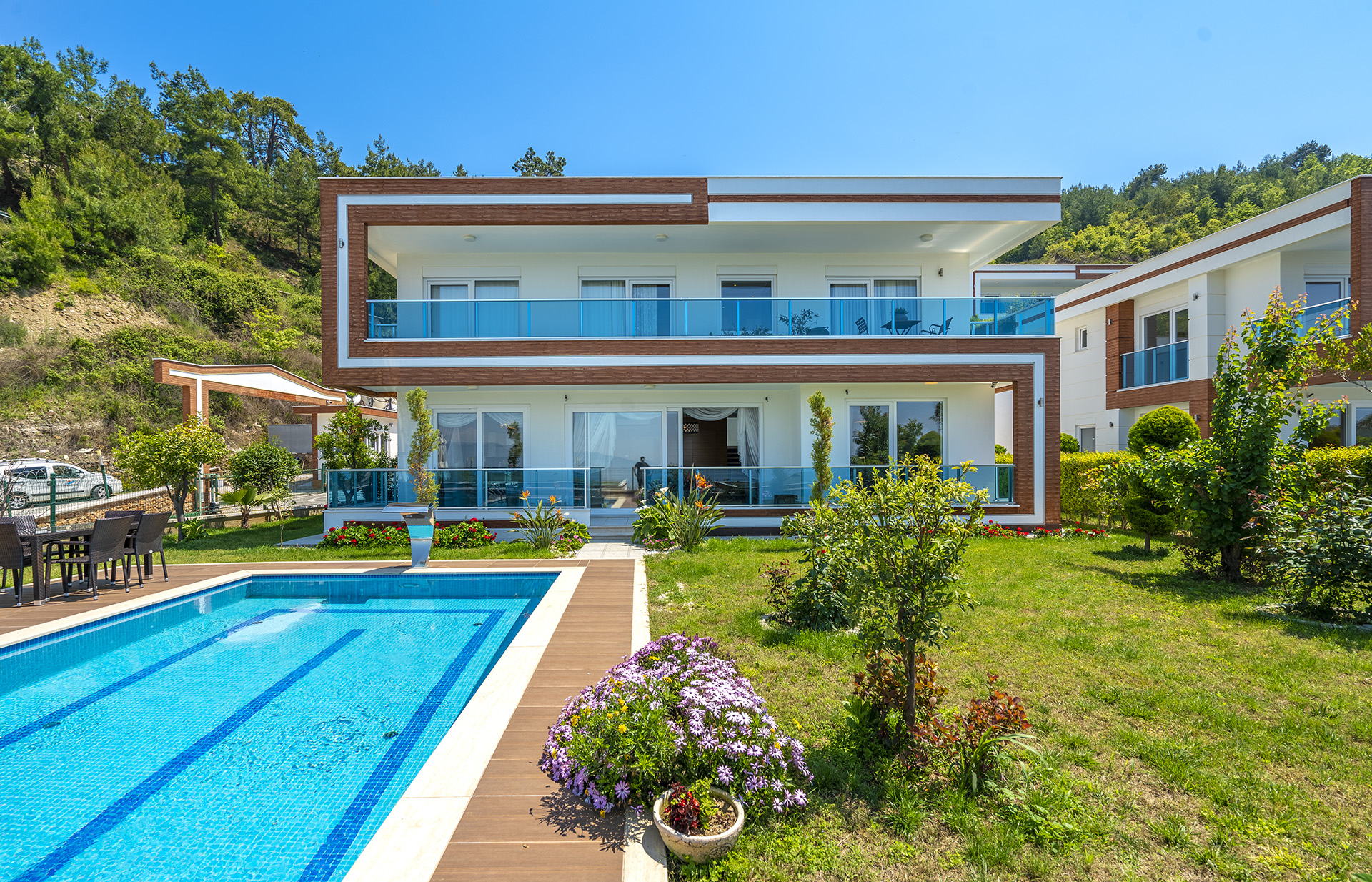 LUXURIOUS VILLAS WITH UNIQUE DESIGN IN ALANYA